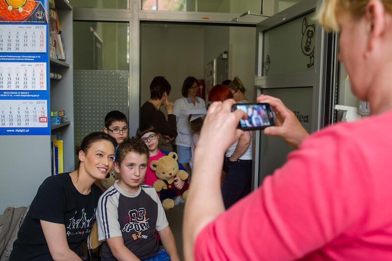 Aktorka Magdalena Różczka jest jedną z wielu gwiazd, które wspierają działania Fundacji Przemek Dzieciom