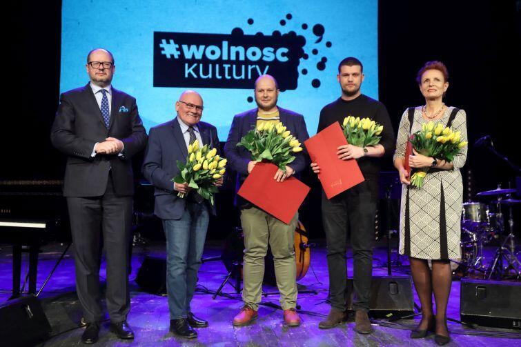 Splendor Gedanensis 2017. Nz. laureaci: (od prawej) Małgorzata Omilanowska, Stefan Wesołowski, Mariusz Waras i Zenon Ziaja, oraz Paweł Adamowicz