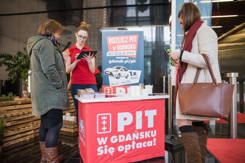 Rejestracja uczestników loterii odbywa się w centrach biznesowych.