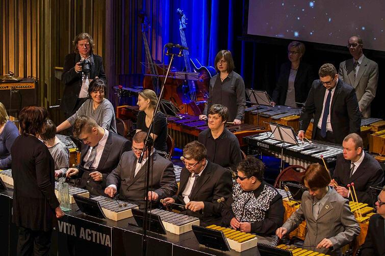 Orkiestra Vita Activa działa w Polskim Stowarzyszeniu na Rzecz Osób z Upośledzeniem Umysłowym - Koło w Gdańsku od 1995 roku