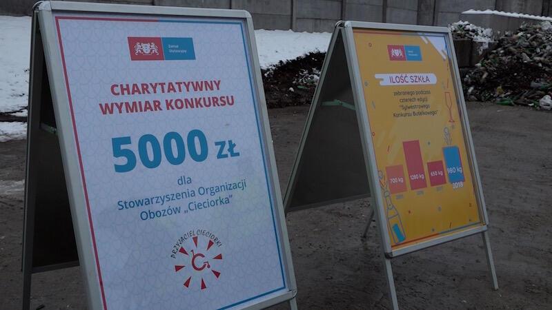 2019 groszy za każde 5 kg. szkła. Przy zebranych 980 kg. nie wyjdzie 5 tys. zł., ale ZUT ponownie postanowił zaokrąglić kwotę, która zostanie przeznaczona na cel charytatywny