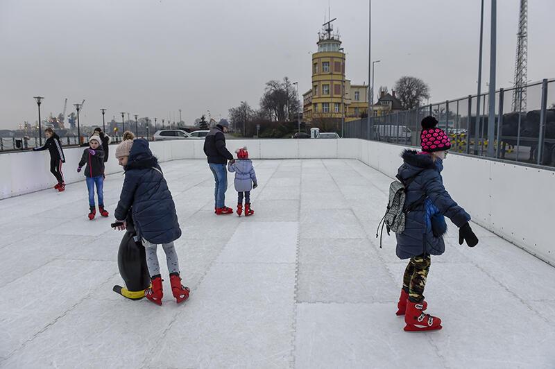 Gdańsk Nowy Port. Darmowe lodowisko na Nabrzeżu Ziółkowskiego