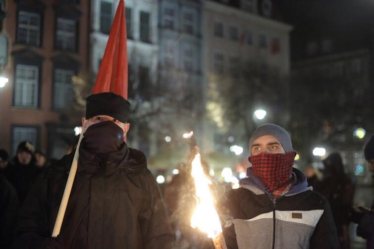 Listopad 2015. Manifestacja Młodzieży Wszechpolskiej w Gdańsku przeciwko imigrantom