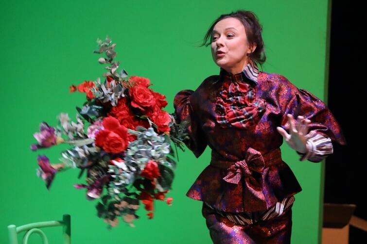 Małgorzata Brajner to sceniczna Matka Oleny, ale też Urzędniczka, Obca kobieta i Sprzedawczyni