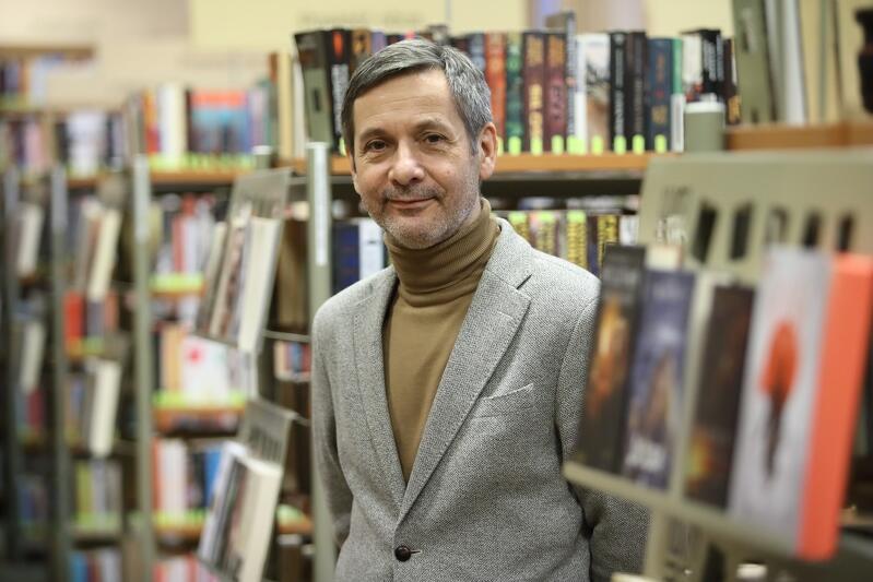 """Jarosław Zalesiński: - Jakkolwiek przez wiele lat funkcjonowałem jako człowiek mediów, to """"słowo"""" było mi najbliższe. I książka. Byłem im najwierniejszy"""
