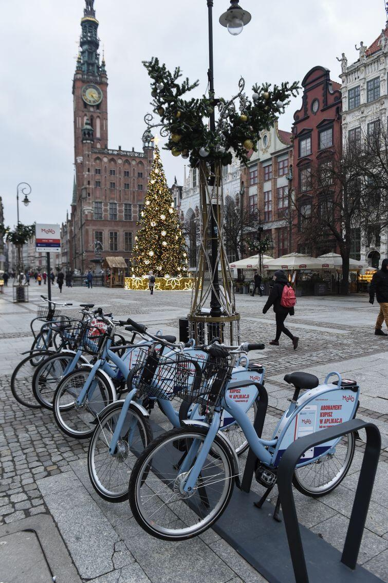 Długi Targ w Gdańsku. Jedna ze stacji 660 roweru MEVO