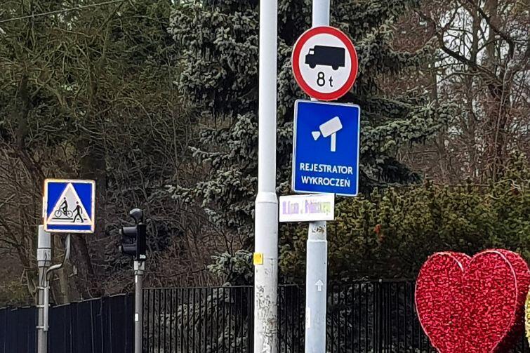 Od 10 stycznia znaki zakazujące wjazdu dla ciężarówek powyżej 8 ton stoją już przy ulicach w Oliwie.
