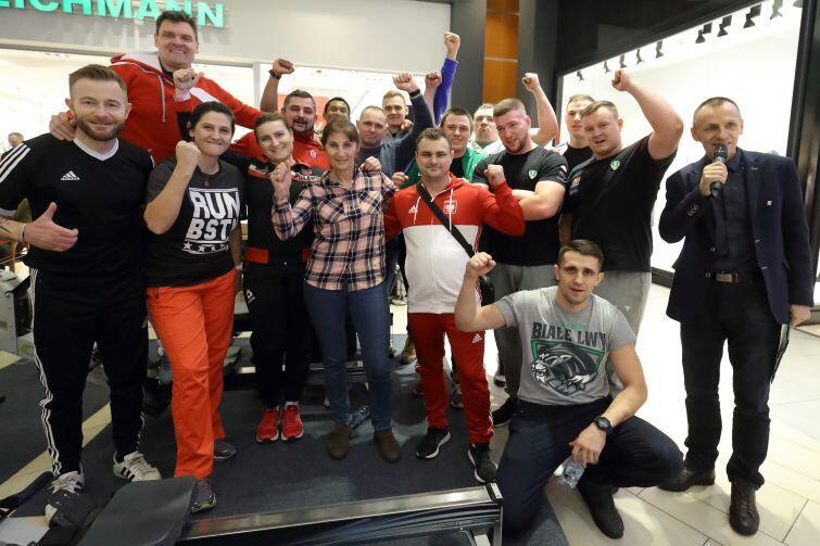 Gdańscy uczestnicy Wiosłowania dla WOŚP w Matarni