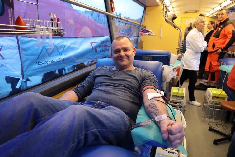 Gdańszczanie wspomagają Orkiestrę również w ten sposób: 46 osób oddało po 450 ml krwi, co dało blisko 21 litrów krwi