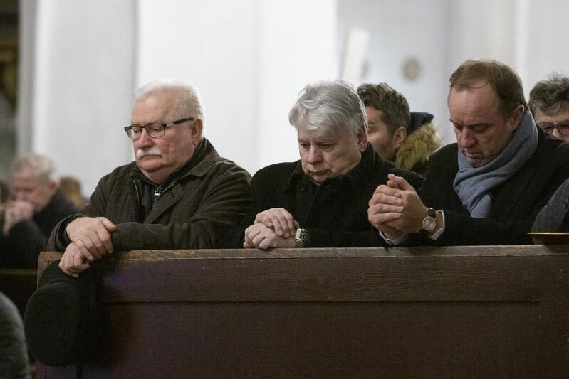 W nabożeństwie udział wzięli m.in. prezydent Lech Wałęsa, marszałek RP Bogdan Borusewicz i marszałek województwa pomorskiego Mieczysław Struk