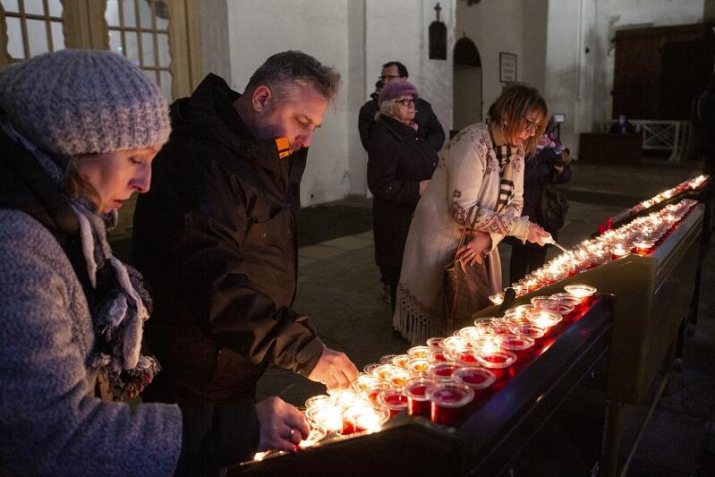 Msza żałobna w intencji śp. Pawła Adamowicza prezydenta Gdańska odbyła się wieczorem 14 stycznia 2019 r. w Bazylice Mariackiej
