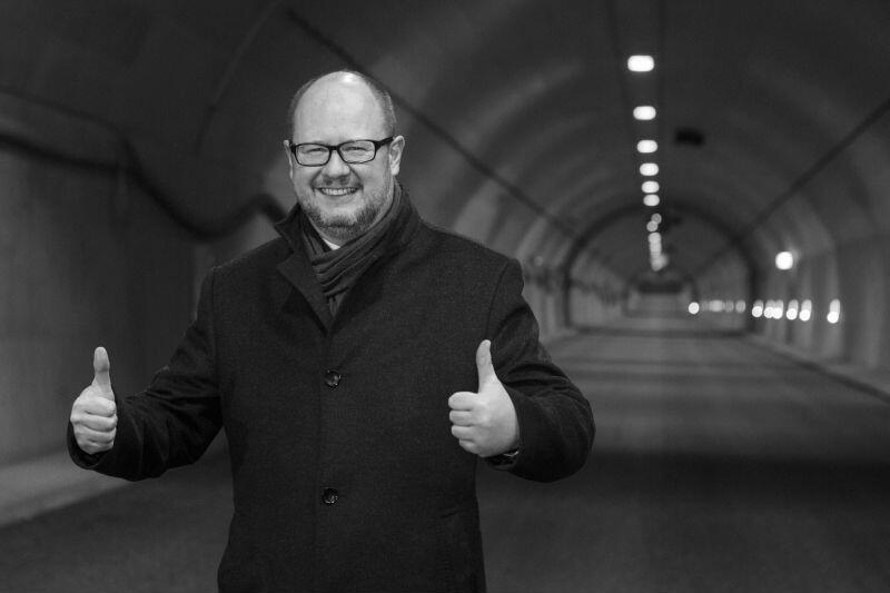 Grudzień 2015. Prezentacja prawie ukończonej budowy tunelu drogowego pod Martwą Wisłą