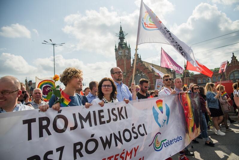 Paweł Adamowicz na czele IV Trójmiejskiego Marszu Równości, maj 2018 r.