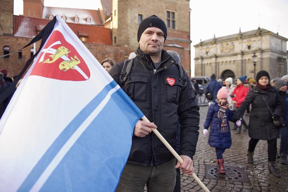 Pan Tomasz z flagą