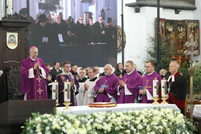 Mszę świętą odprawił przewodniczący KEP abp Stanisław Gądecki