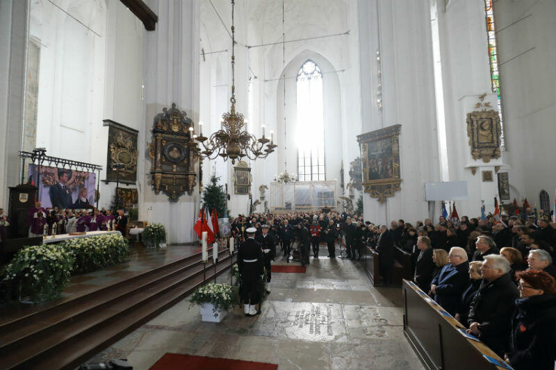 Msza św. pogrzebowa trwała trzy godziny