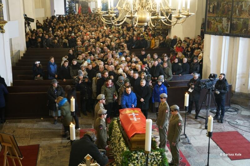 Podczas mszy św. pogrzebowej Bazylika Mariacka pomieściła 3,5 tys. gości