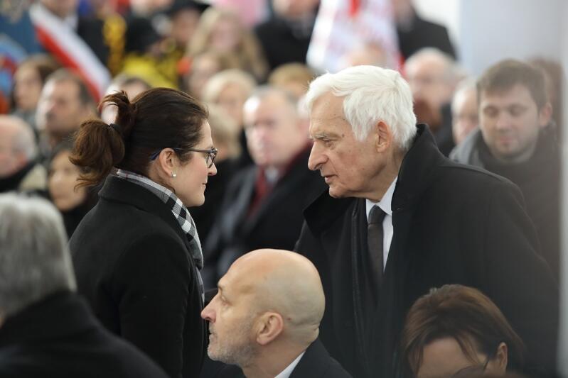 Pełniąca obowiązki Prezydenta Gdańska Aleksandra Dulkiewicz i były premier Jerzy Buzek. Poniżej Kazimierz Marcinkiewicz - były premier