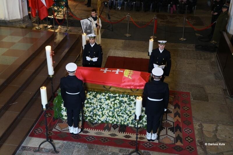 Prezydent Gdańska Paweł Adamowicz został pochowany w sobotę, 19 stycznia, w Bazylice Mariackiej