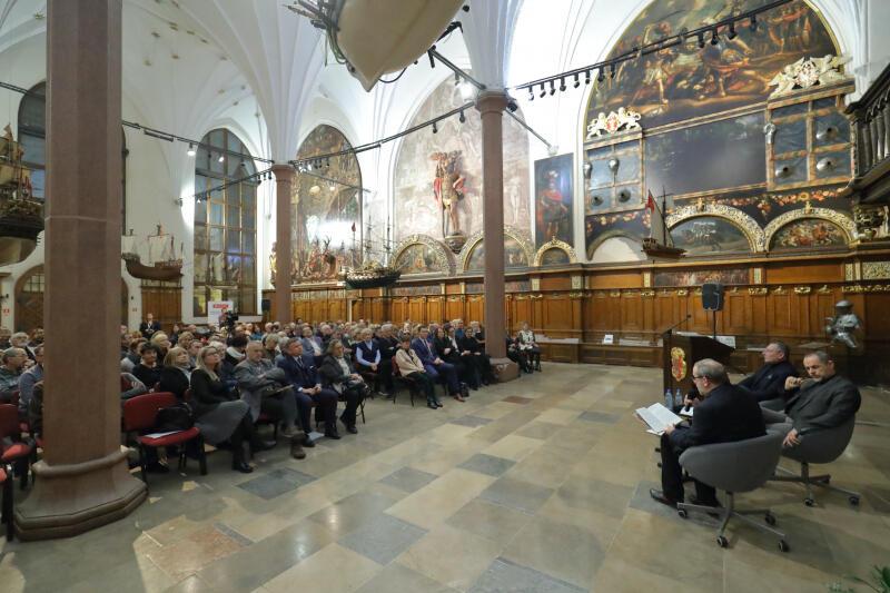 Gdańskie Debaty Obywatelskie gromadziły osoby chcące wziąć udział w dyskusji o historii i teraźniejszości Polski