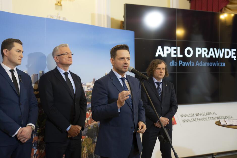 Prezydenci Warszawy, Gdańska, Poznania i Sopotu podczas konferencji prasowej