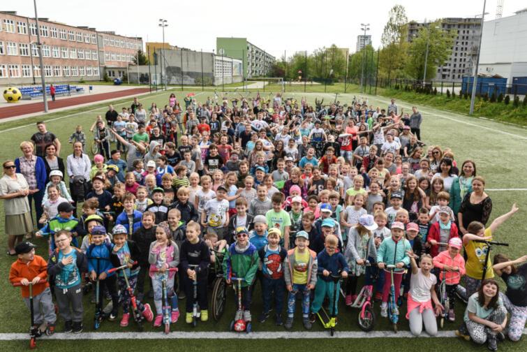 W 2018 roku w rowerowej rywalizacji udział wzięło ponad 128 tys. uczniów i nauczycieli. Nic dziwnego - korzyści jest mnóstwo, a szkoły mogą wygrać atrakcyjne nagrody