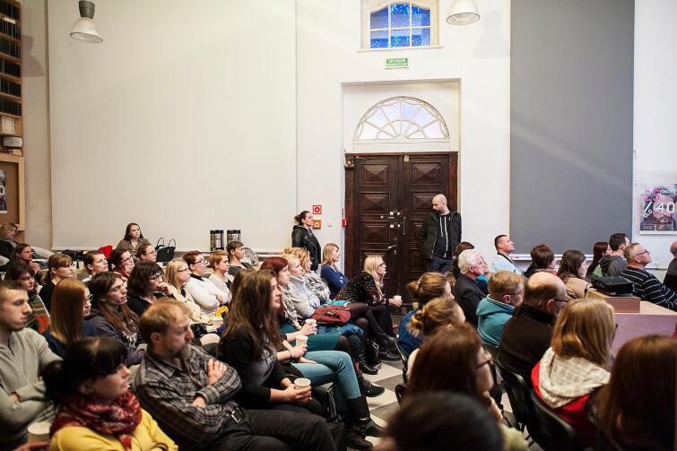 Cykl wykładów Akademia Dawnego Gdańska cieszy się bardzo dużą popularnością. Warto przyjść chwilę wcześniej, żeby zająć miejsce