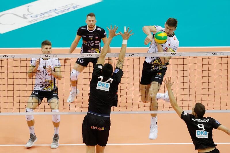 W Gdańsku siatkarze Trefla wygrali z berlińczykami także 3:0. Atakuje Piotr Nowakowski
