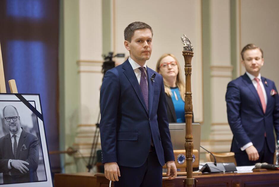 Michał Hajduk objął mandat radnego KO po Piotrze Borawskim, który powołany został na stanowisko zastępcy prezydenta Gdańska