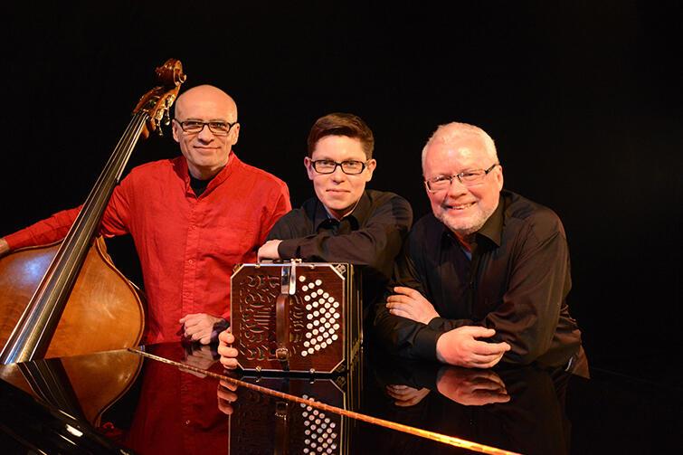 Grzegorz Frankowski Trio towarzyszyć będzie Katarzynie Jamróz podczas karnawałowego koncertu w Filharmonii Bałtyckiej, 3 lutego