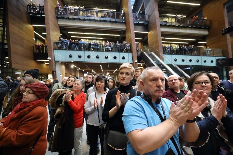 W ECS dawno nie widziano takich tłumów... W obliczu zagrożenia można liczyć na pełną solidarność nie tylko gdańszczan, ale też przyjaciół naszego miasta