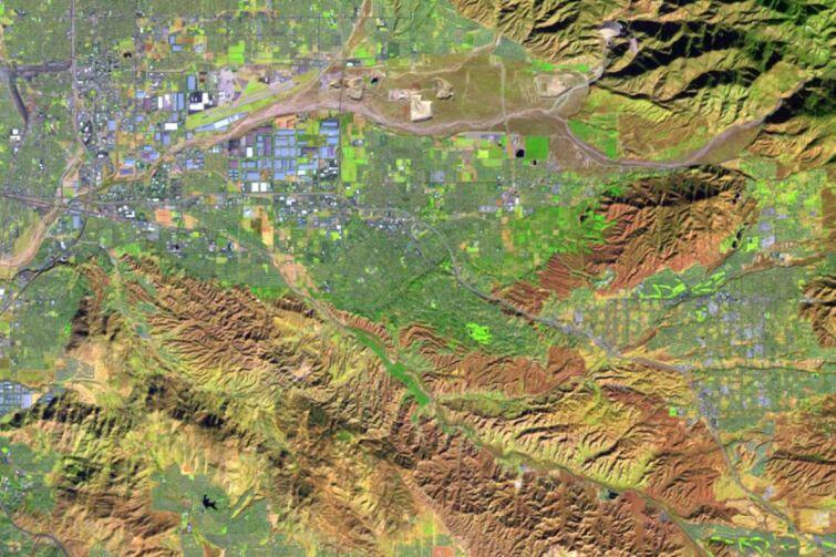 Analiza obrazów satelitarnych to jedna z pierwszych umiejętności zdobywanych przez studentów