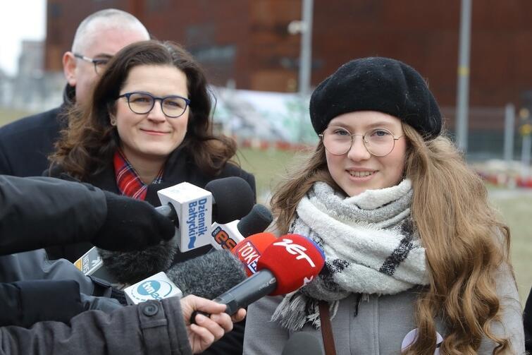 Od lewej: pełniąca obowiązki prezydenta Gdańska Aleksandra Dulkiewicz i główna organizatorka Marszu Ponad Podziałami Julia Borzeszkowska