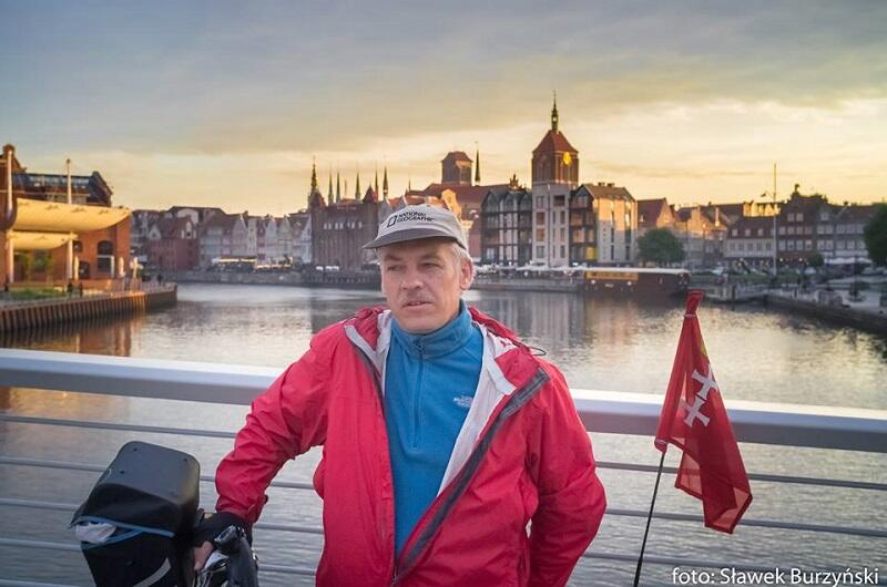 Tadeusz Wróbel - tu w scenerii wiosennej, ale jest zadeklarowanym rowerzystą całorocznym