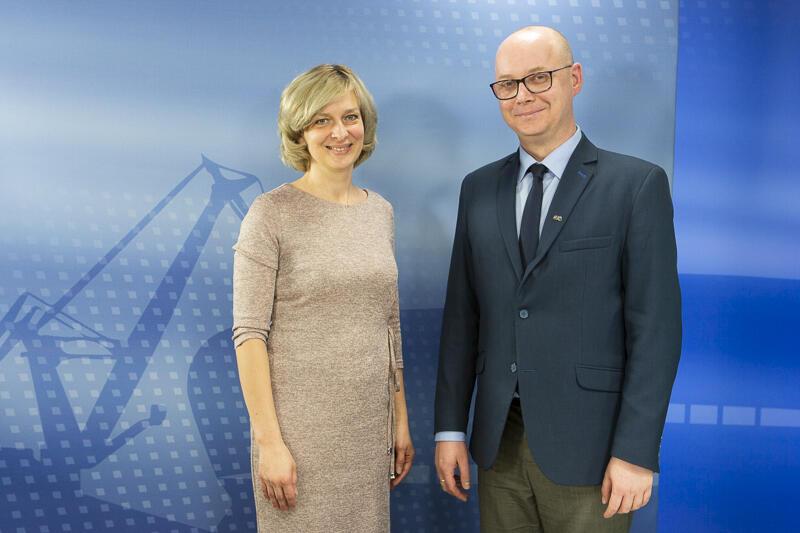Elżbieta Porowska - dyrektor Pałacu Młodzieży w Gdańsku, i Grzegorz Kryger - zastępca dyrektora ds. edukacji w Wydziale Rozwoju Społecznego Urzędu Miejskiego w Gdańsku