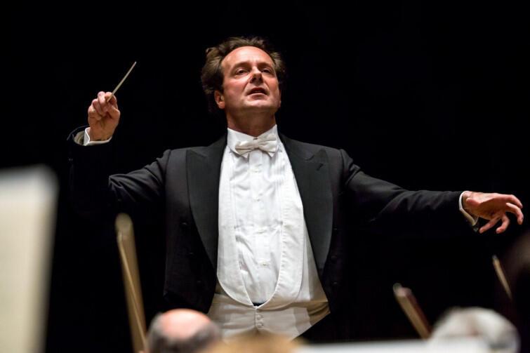 Massimiliano Caldi - dyrygent, który zachwyca znakomitym warsztatem, stylem i zmysłem interpretacyjnym