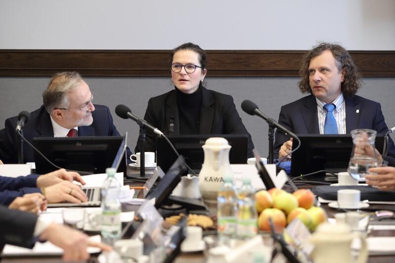 8 lutego odbyło się posiedzenie stowarzyszenia Obszar Metropolitalny G-G-S. Na zdjęciu od lewej: Wojciech Szczurek, Aleksandra Dulkiewicz i Jacek Karnowski
