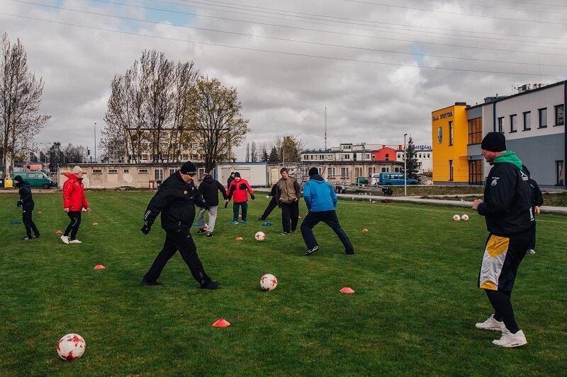 W ramach projektu można przypomnieć sobie, jak to jest - grać w piłkę na świeżym powietrzu