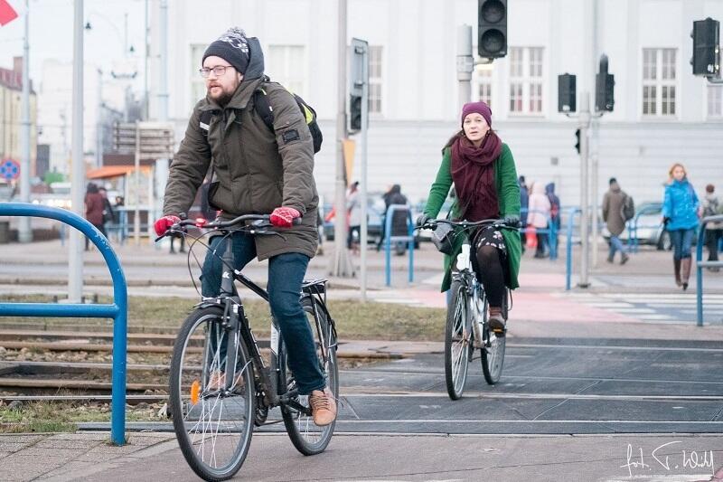 Tłoku na drodze rowerowej może nie ma, ale chętnych do zimowej jazdy w Gdańsku nie brakuje