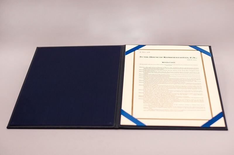 Rezolucja Kongresu USA z 2005 r.