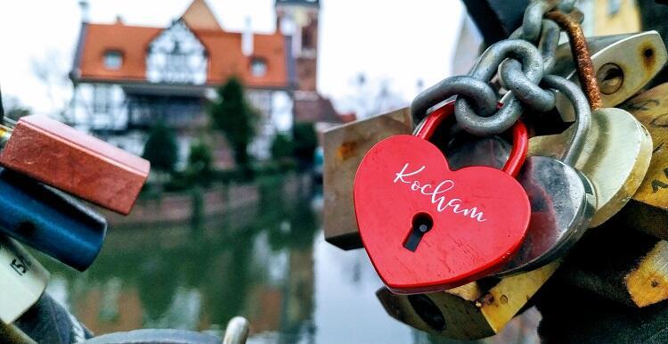 Pan Piotr uchwycił detal – kłódki na gdańskim Moście Chlebowym – zwanym też Mostem Miłości.