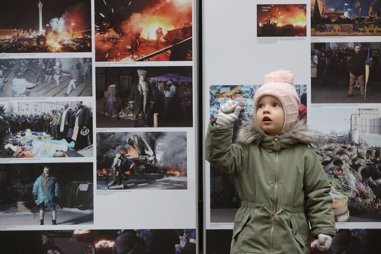 Uroczystości towarzyszyła wystawa zdjęć z wydarzeń na Majdanie