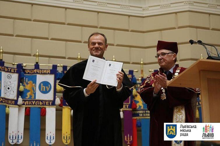 Donald Tusk z tytułem doctora honoris causa Lwowskiego Uniwersytet Narodowy im. Iwana Franki
