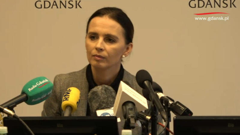 Magdalena Kaczmarek, rzecznik prasowa prezydenta Gdańska, podczas specjalnej konferencji odczytała m.in. oświadczenie Aleksandy Dulkiewicz
