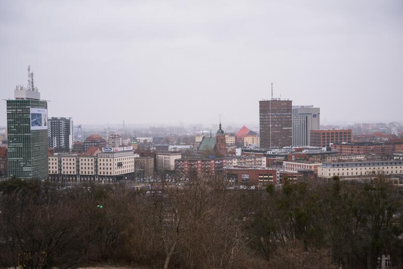 Ilu gdańszczan wybierało radnych dzielnicy w poprzedniej kadencji?