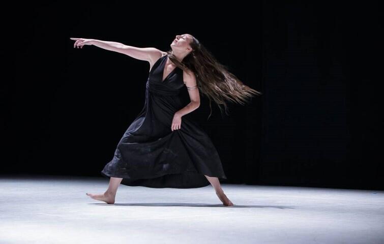 Federica Bottini zatańczy w duecie z Laurą Guy. Federica specjalizuje się w kilku stylach tańca: balecie, hip-hopie, a nawet w capoeirze