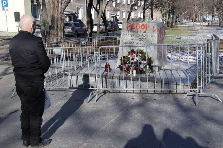 Ponowny montaż pomnika wymaga ponownej zgody
