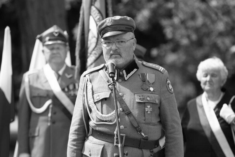 Tadeusz Zbigniew Pluta podczas uroczystości upamiętniających 83. rocznicę śmierci Marszałka Józefa Piłsudskiego, maj 2018 r.