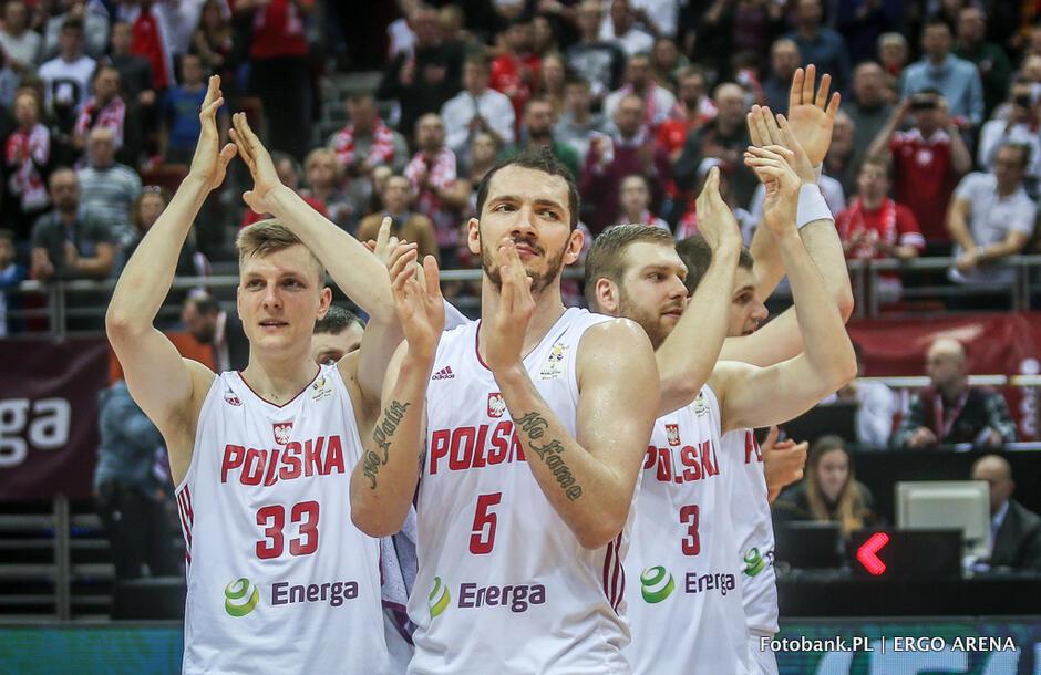 Koszykarze reprezentacji Polski dziękują kibicom