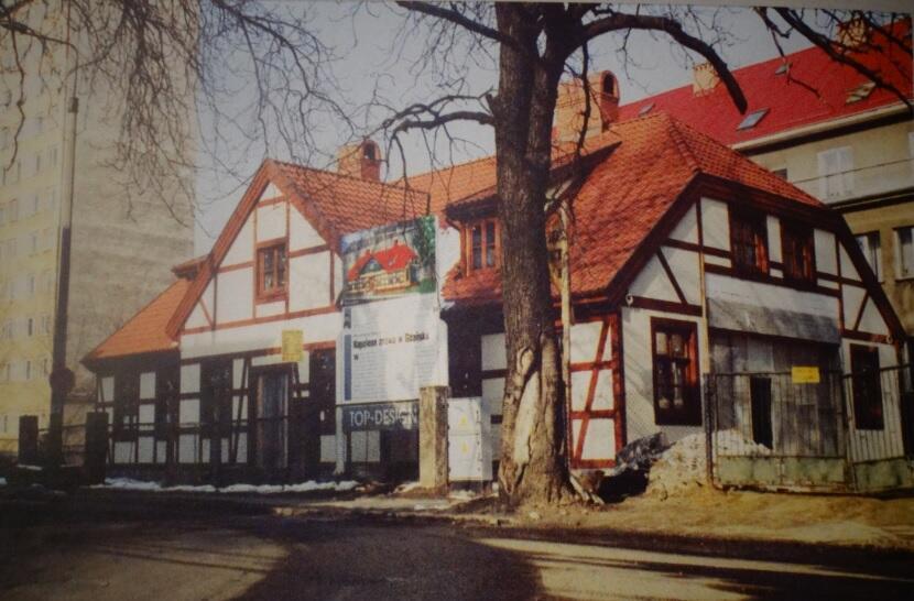 "Dwór ""Napoleonka"", rok 2001"